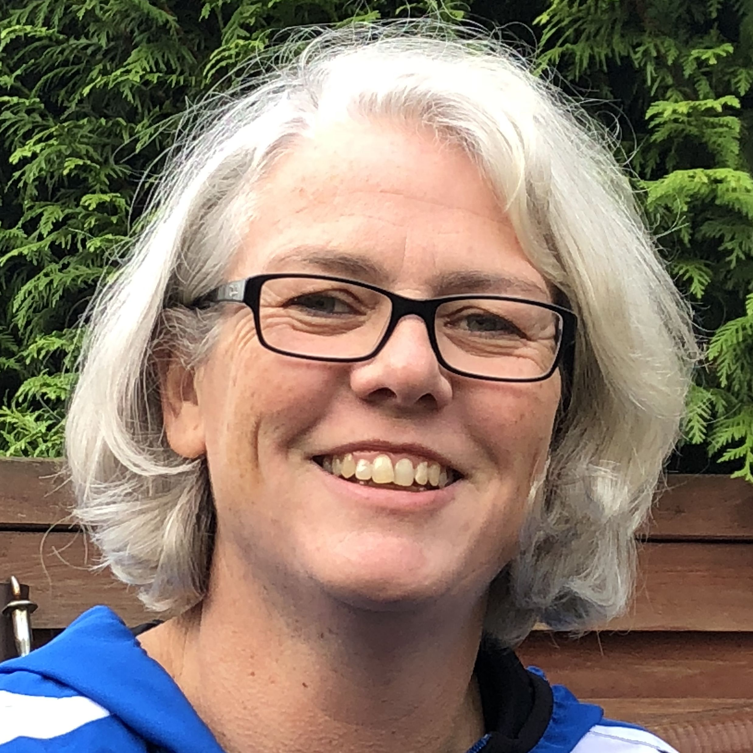Anja Holzapfel